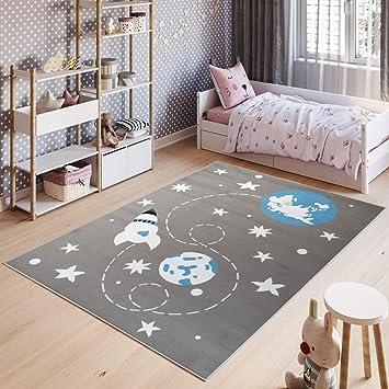 Tapiso Pinky Teppich Kurzflor Kinderteppich Kinderzimmer Grau Blau Weiß  Pastellfarben Modern Weltall Raumschiff Spielteppich ÖKOTEX 120 x 170 cm