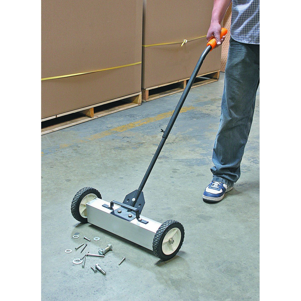 22'' Magnetic Floor Sweeper with Release