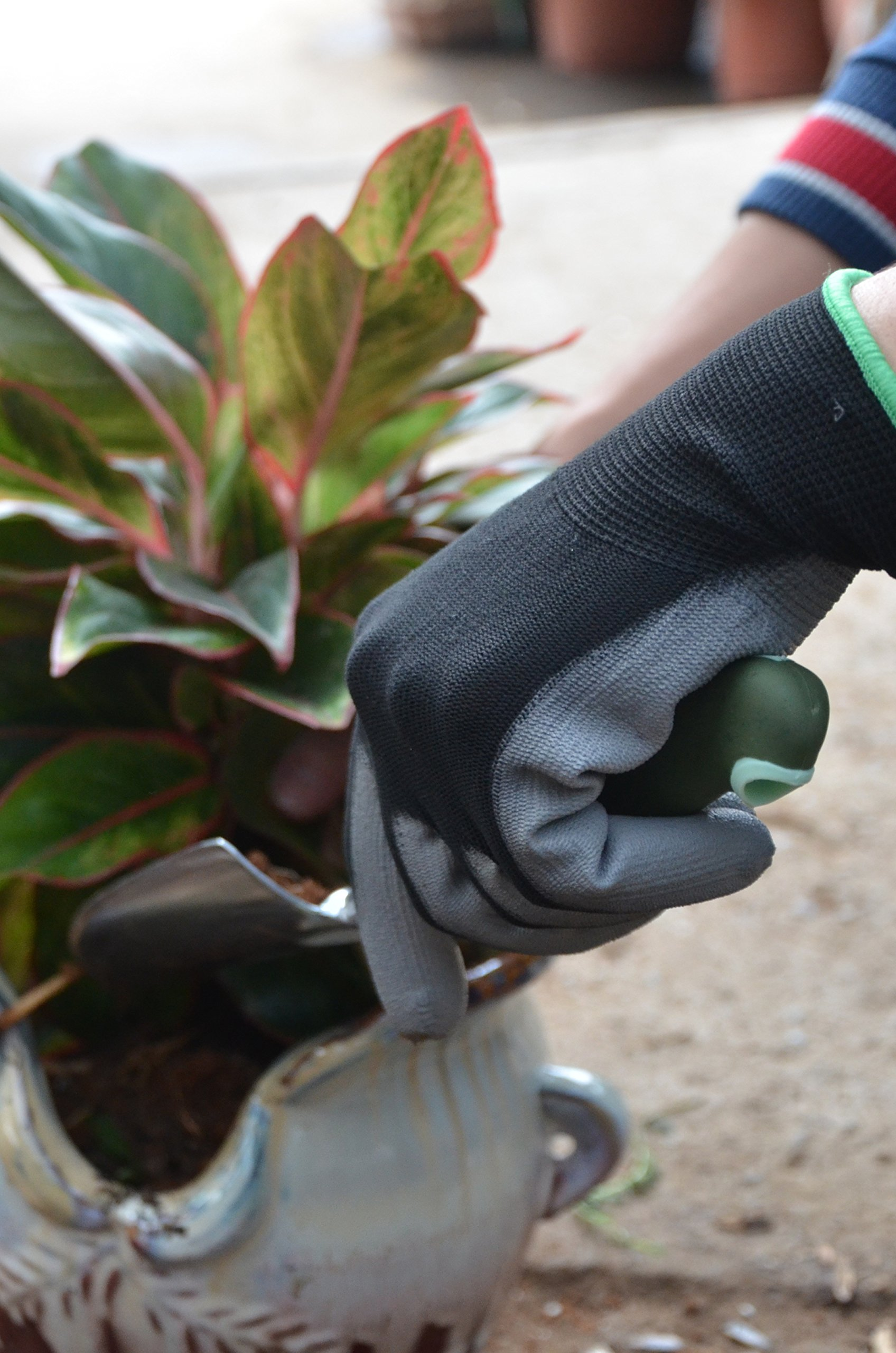 Vgo… PU Coated Gardening and Work Gloves (15 Pairs, Black Color, Size 9/L and 10/XL) by Vgo... (Image #4)