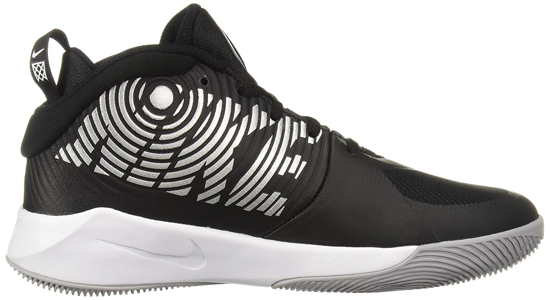 best service 65207 85b64 Amazon.com   Nike Kids  Team Hustle D 9 (Gs) Sneaker   Sneakers