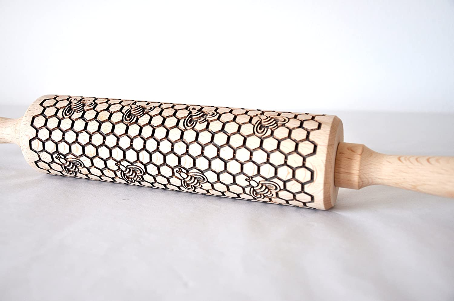 Engraved Honey Bees Pattern Rolling Pin