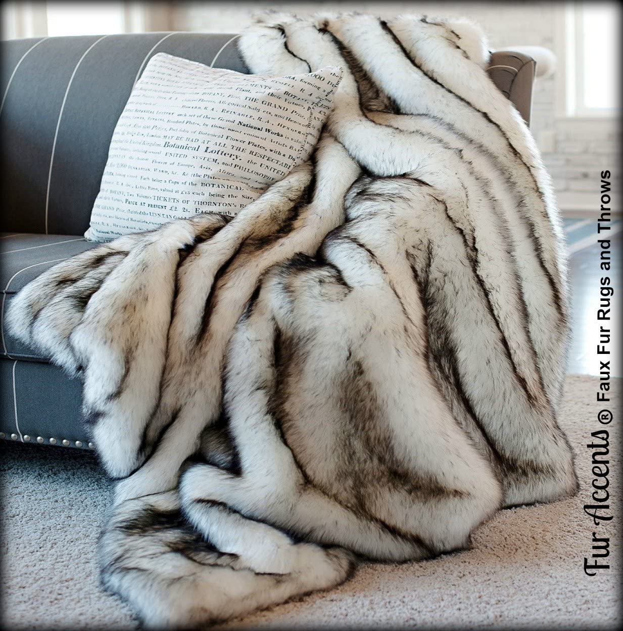 Gray Tip Russian Wolf Throw Blanket - Black Tip Huskie - Premium Quality Faux Fur - Designer Throw Blanket - Soft Minky Cuddle Fur Lining … (5'x7')