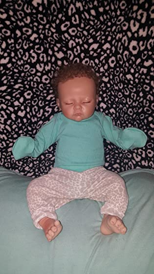 The Ashton - Drake Galleries Sophia Breathes, Coos and has a Heartbeat - So Truly Real Lifelike, Interactive & Realistic Weighted Newborn Baby Doll 19-inches Doesn't coo or breath