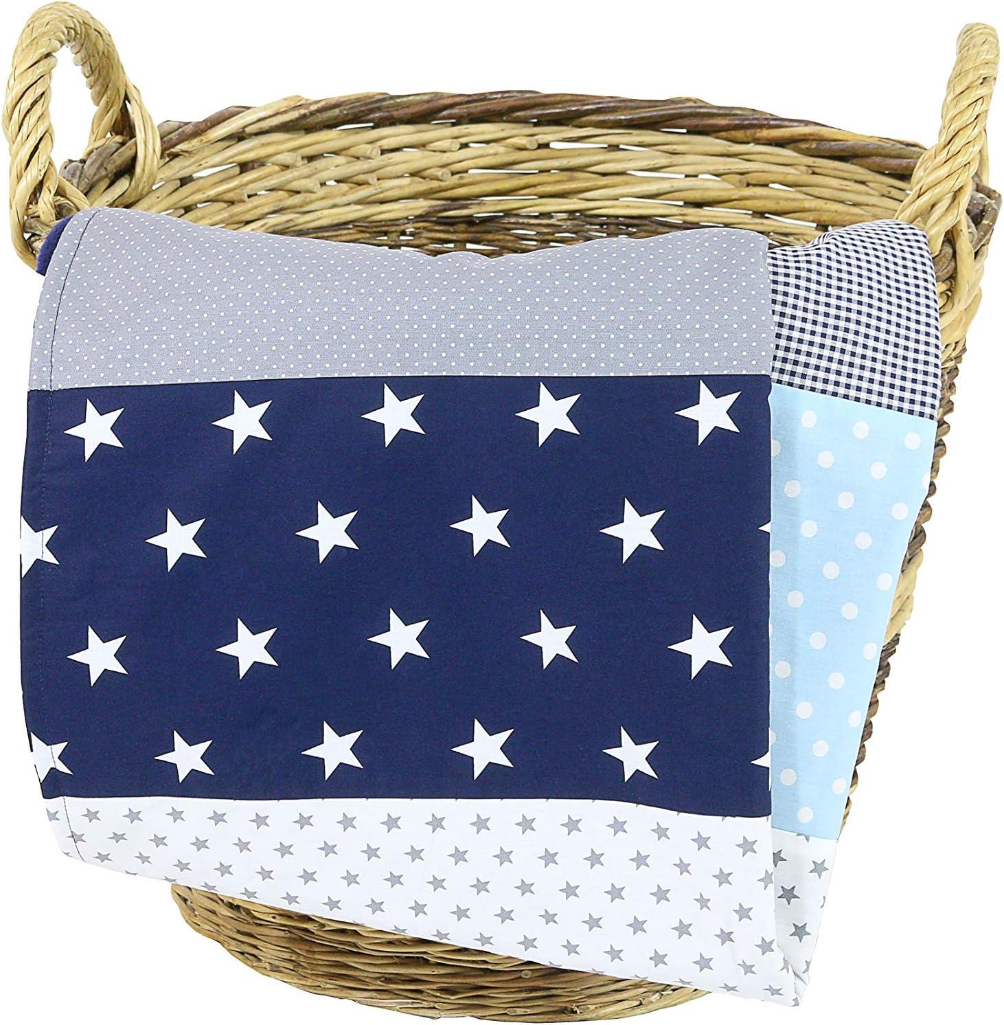 Colcha para bebé de ULLENBOOM ® con azul claro azul gris (manta de arrullo para bebé de 70 x 100 cm, ideal colcha para el cochecito; apta alfombra de juegos): Amazon.es: Bebé