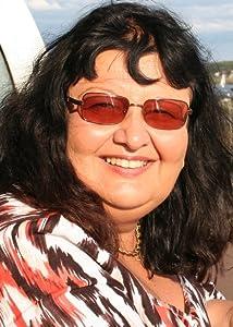 Mariah Lynne