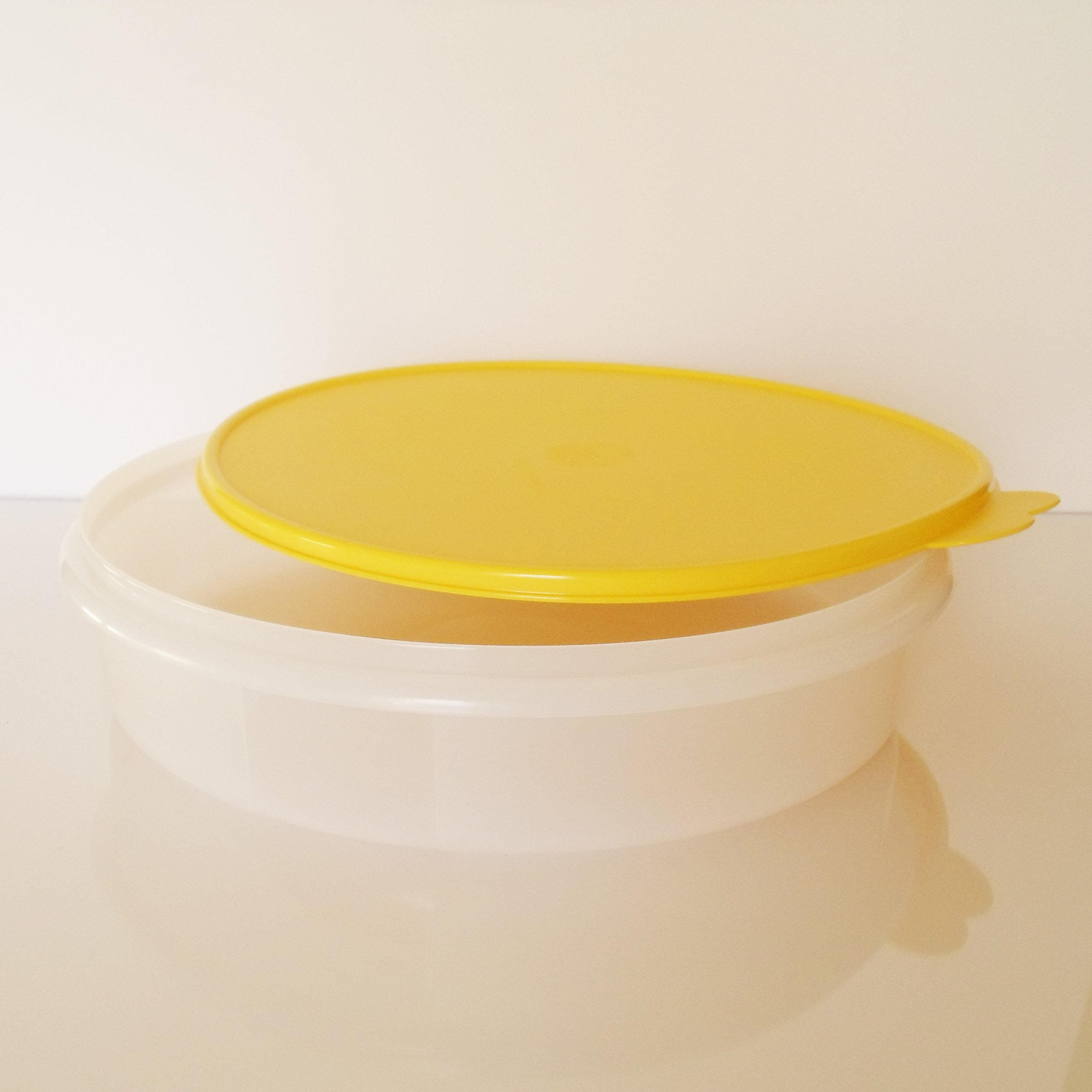 Tupperware 12'' Round Pie Keeper. White with Yellow Seal by Tupperware (Image #3)