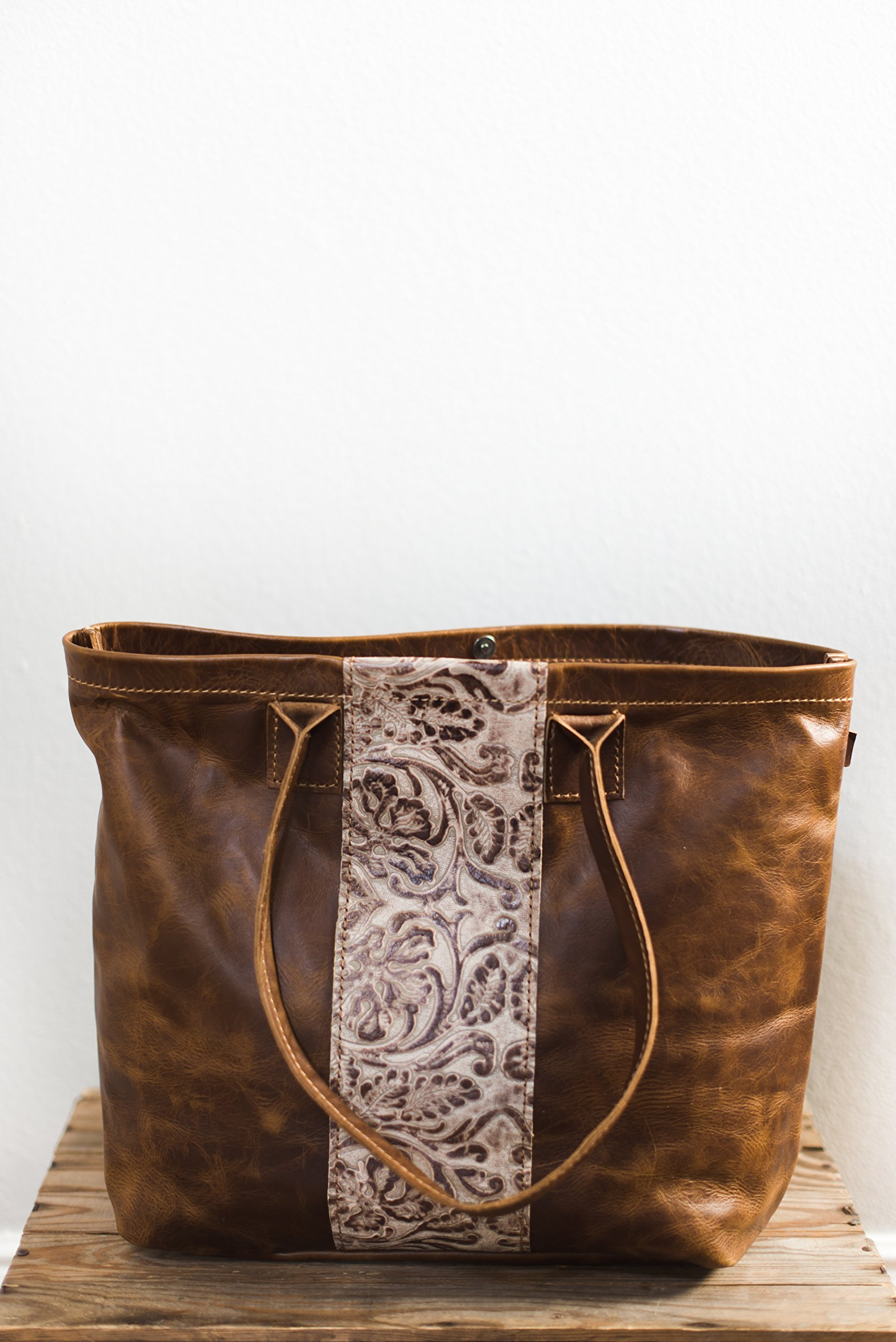 leather tote bag for women, leather tote bag, leather tote handbags for women, leather tote purse, leather tote purse, leather tote laptop, leather handbags, leather shoulder bags.