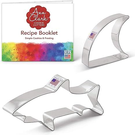 Ann Clark Cookie Cutters 2-Piece Shark Cookie Cutter Set with Recipe Booklet, Shark and Fin