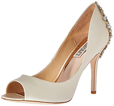 27e25416662 Amazon.com  Badgley Mischka Women s Nilla dress Pump  Shoes