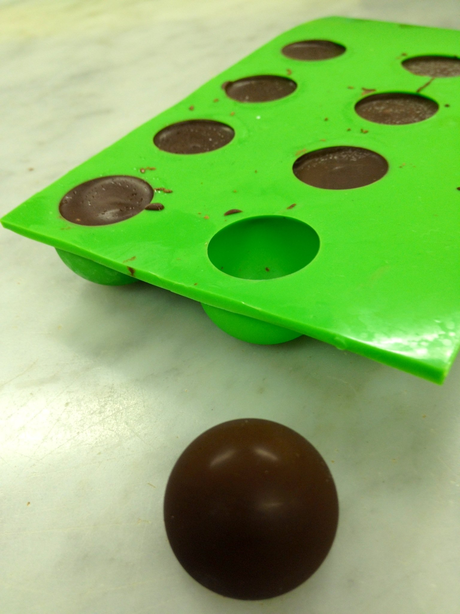 Truffly Made Round Silicone Mold for Chocolate Truffles, Ganache, Jelly, Pralines and Caramels by Truffly Made (Image #4)