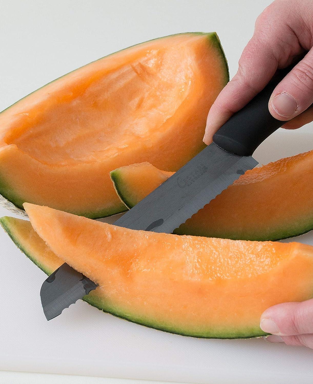 Ceramic Serrated Knife Cutting Fruit