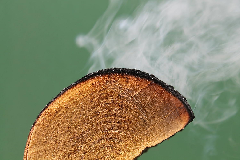 Trozos de madera de manzano para ahumado de barbacoa.