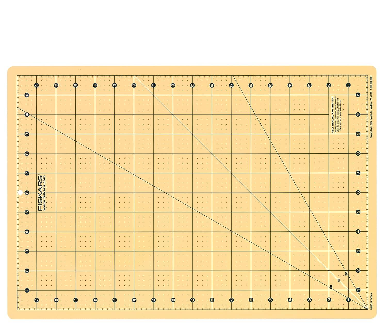 Fiskars 183700-1002 Fashion Cutting Mat, 12 by 18-Inch