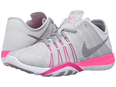 768113c337141 Nike Free TR 6 Pure Platinum Pink Blast Fire Pink Stealth Women s Cross Training  Shoes  Amazon.in  Shoes   Handbags