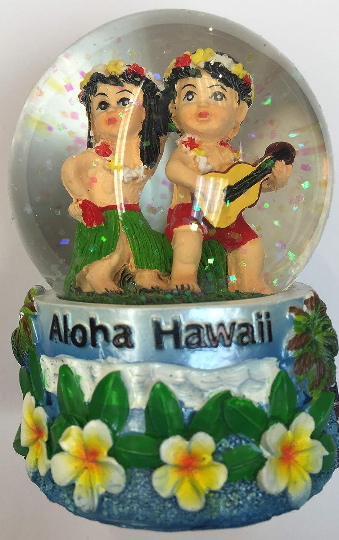 Amazon Com Snowglobe Boy And Gril Hawaiian Design Kitchen Dining