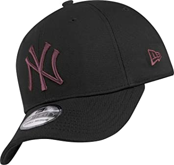 b9026a85874 New Era 39THIRTY MLB Baseball Hat (0D2 M - Black - X-Small  Amazon ...