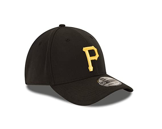 f0673d9ac0e19 Amazon.com   New Era MLB JR Game Team Classic 39THIRTY Stretch Fit Cap    Sports   Outdoors