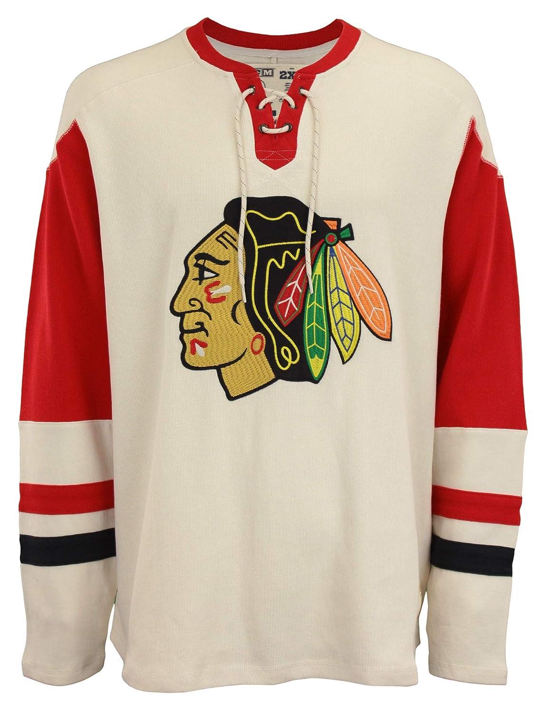 Amazon.com   Reebok NHL Mens Chicago Blackhawks Crew Jersey Sweatshirt d92e9fa2495