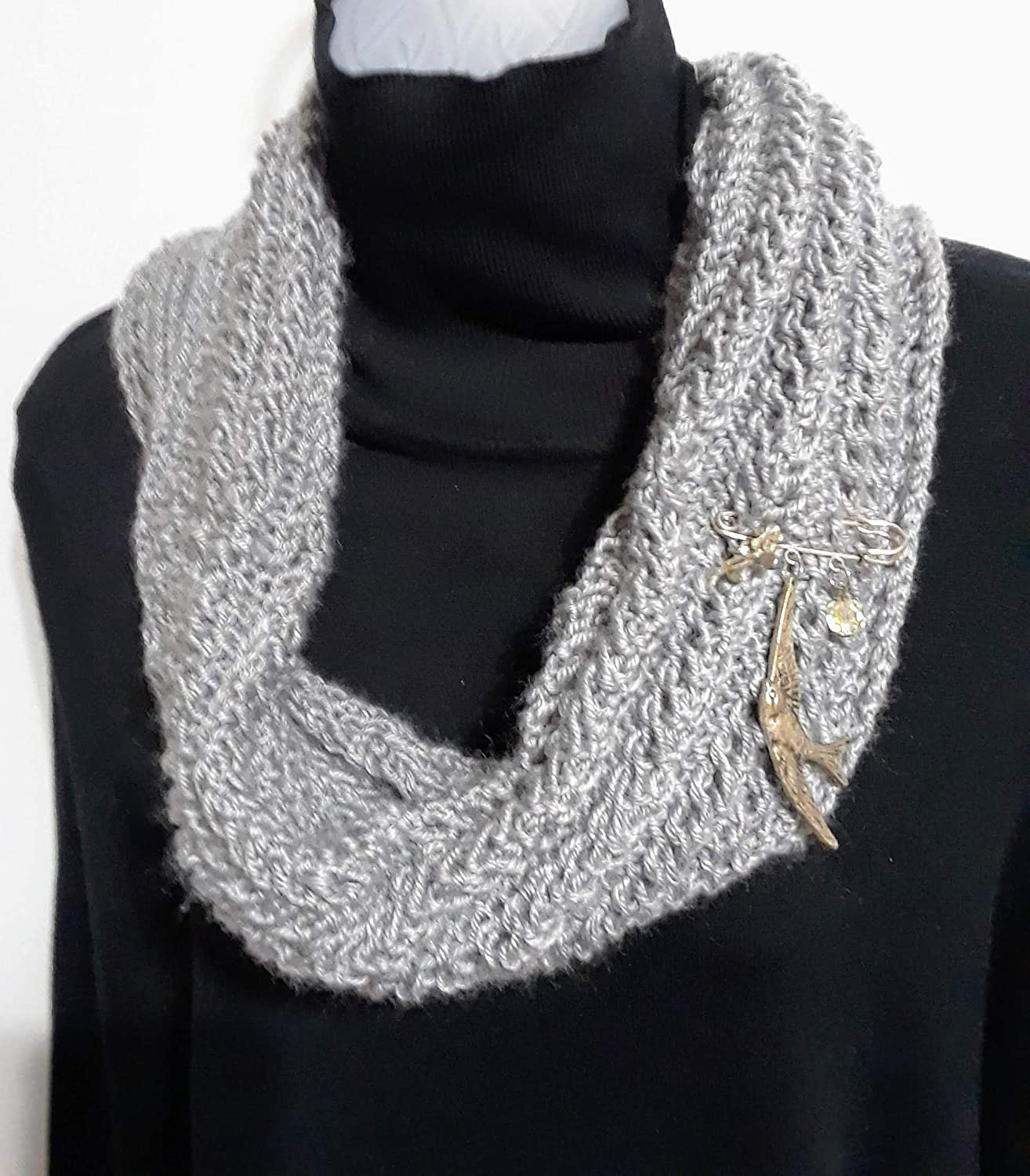 cowl Scarf color is light grey!