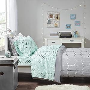 Intelligent Design Microfiber Bed Sheet Set Wrinkle Resistant, Soft Sheets with 12