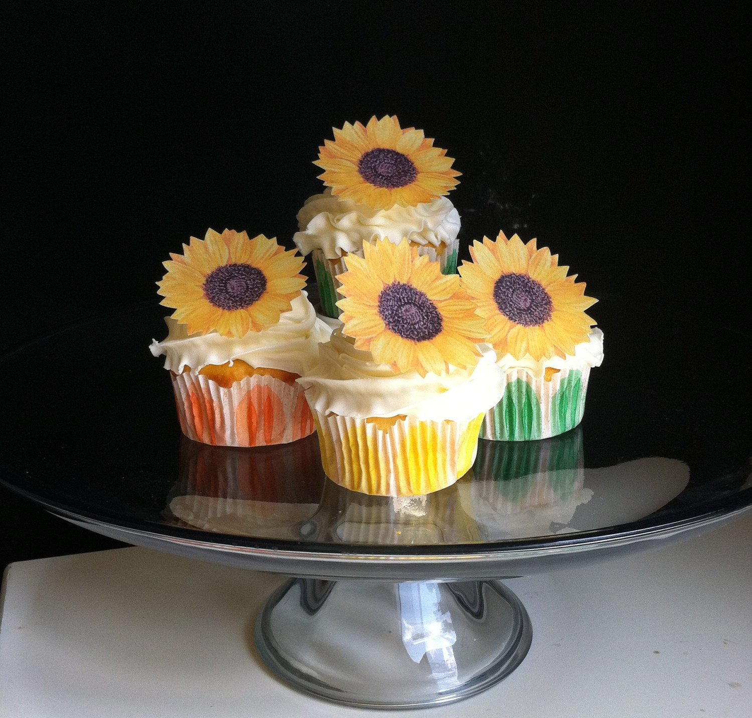 Edible Sunflowers -Set of 12 - Cake and Cupcake Toppers, Decoration