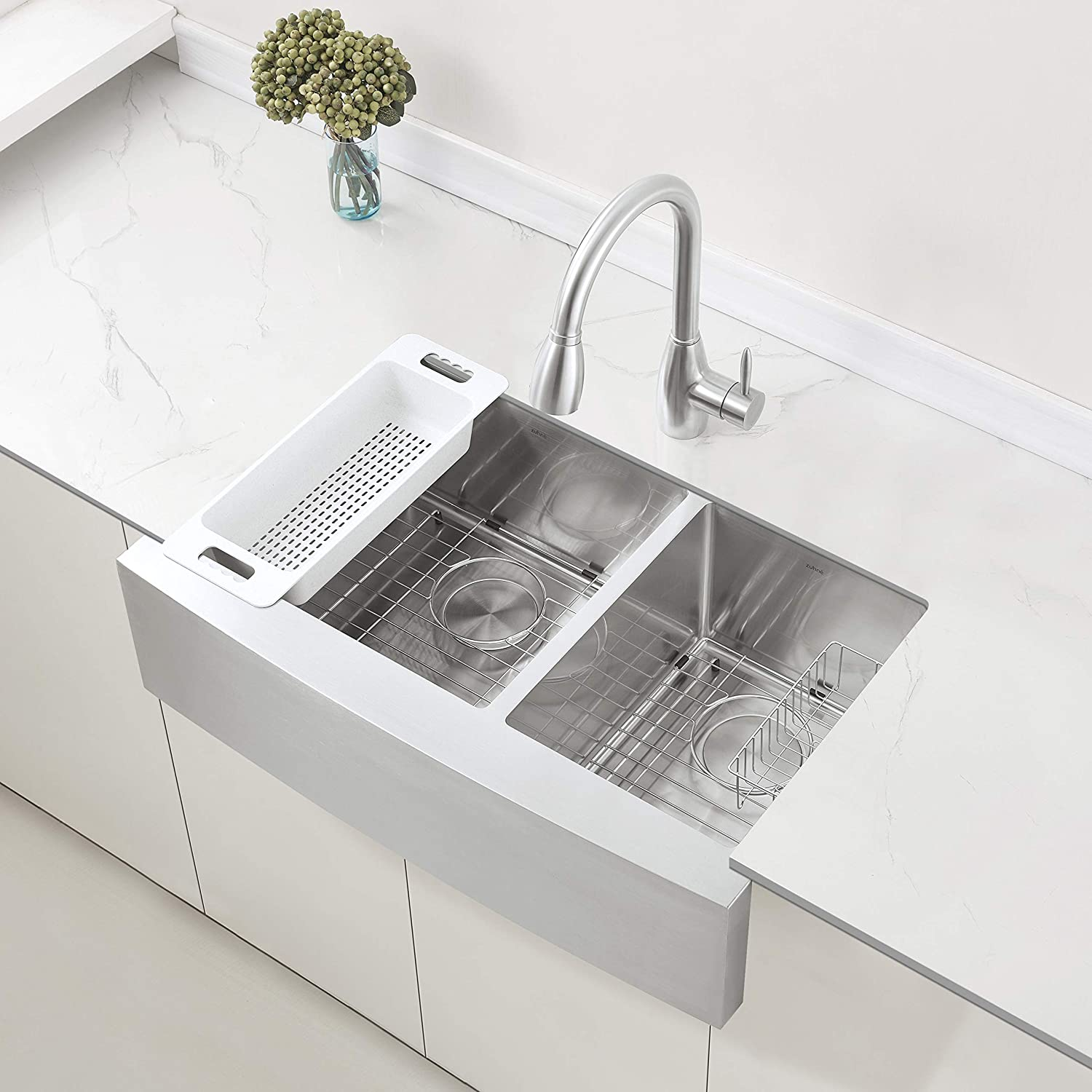 best stainless steel kitchen sinks: ZUHNE 33-Inch Farmhouse Apron Front 60/40 Double Bowl