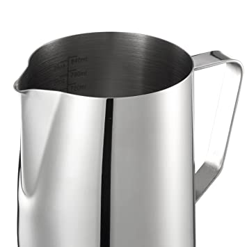 Mari Chef – 900 ml acero inoxidable jarra de leche para hacer espuma de leche, taza de medir con marcas de interior