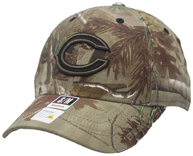 83e3f0c7921 Amazon.com   Chicago Bears Camouflage Structured Flexfit Hat 5127 ...