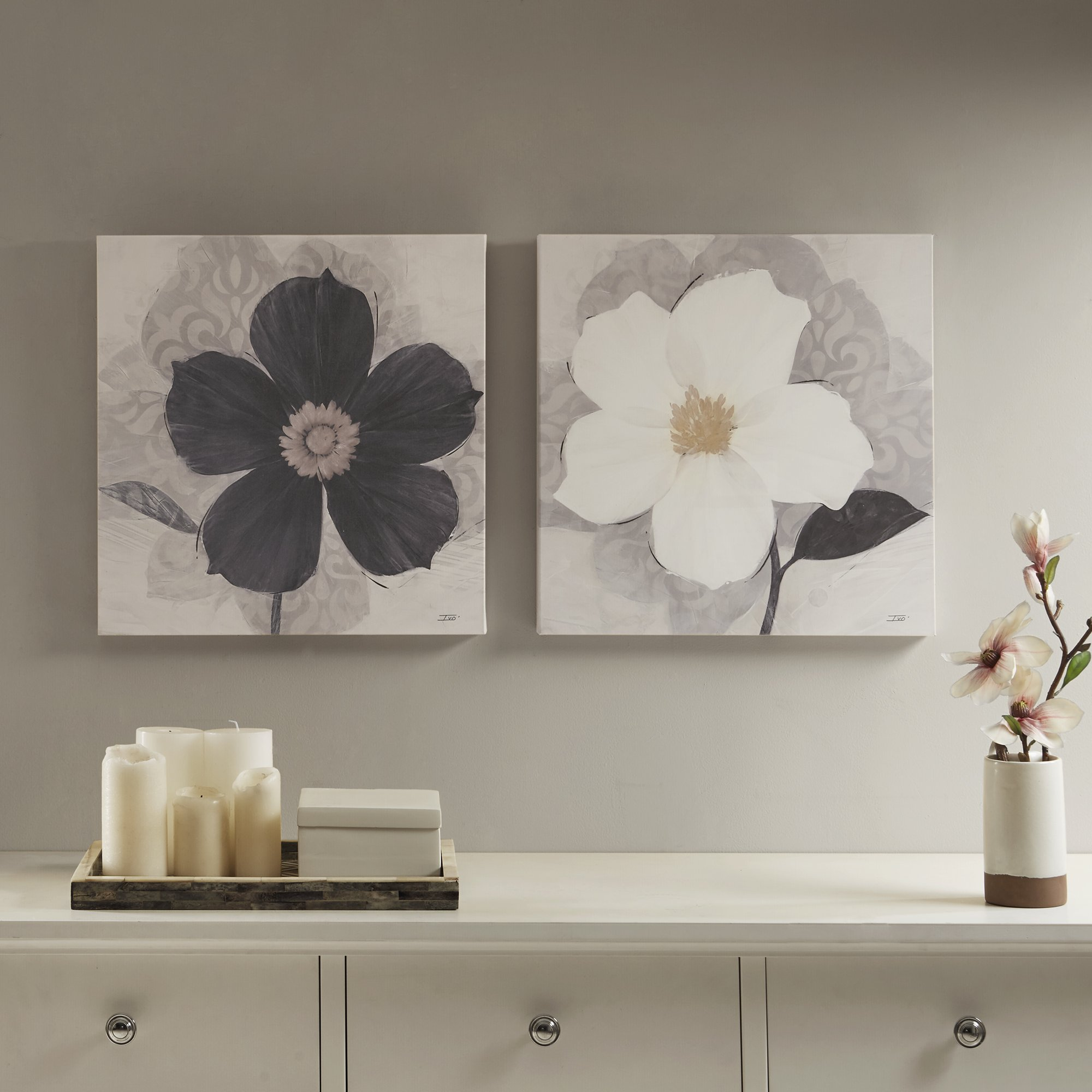Décor 5 Printed Canvas Set - 2 Pieces, 18'' x 18'' - Blooms Floral - Black and White Flower