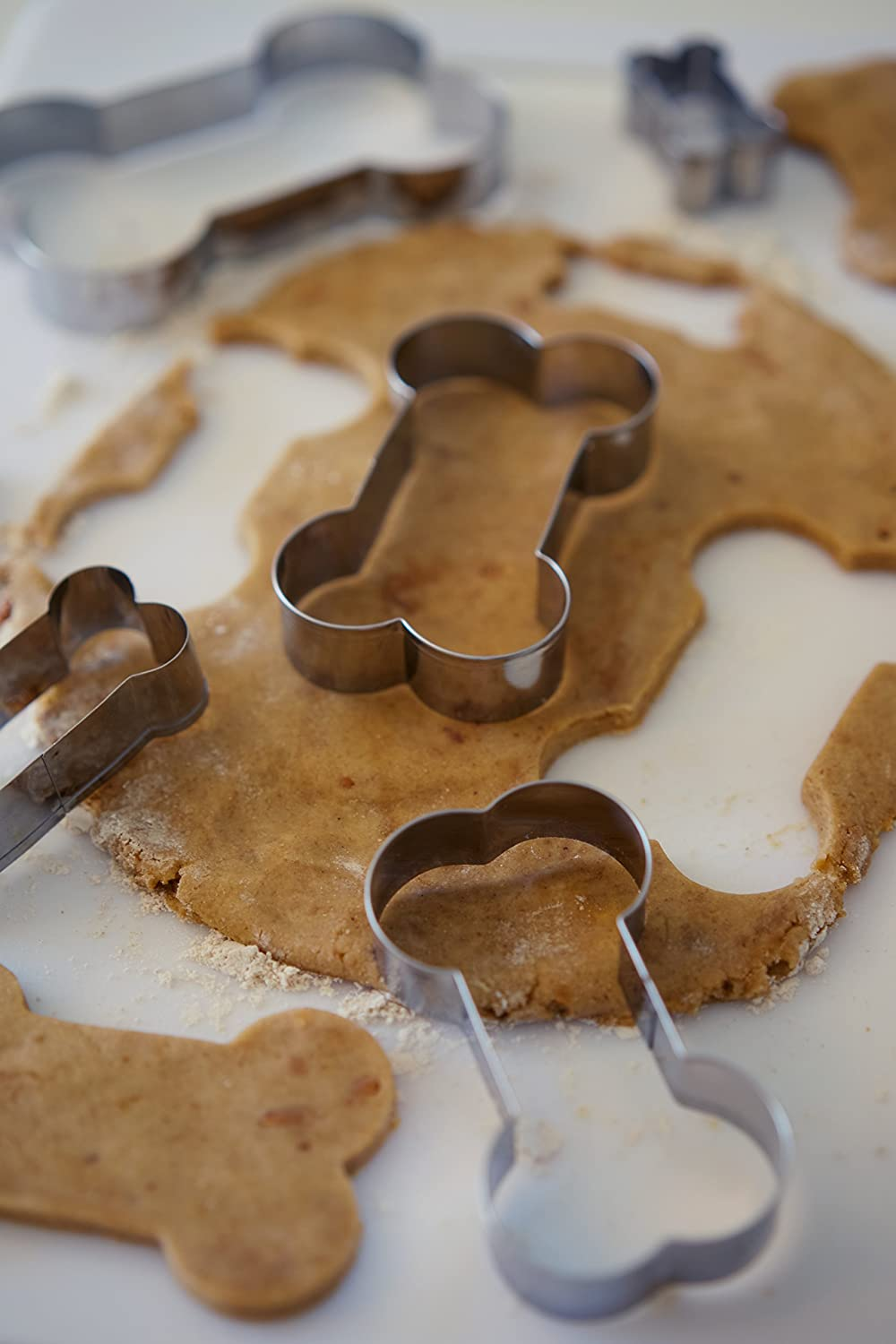 Perfect For Making Homemade Puppy Biscuits Stainless Steel Shapes 2 3 3.5 4 Le Dogue 3.5 Stainless Steel Shapes 2 5 Bone Shaped set of 5 4 Dog Cookie Cutters For Baking Treats and Cookies 3