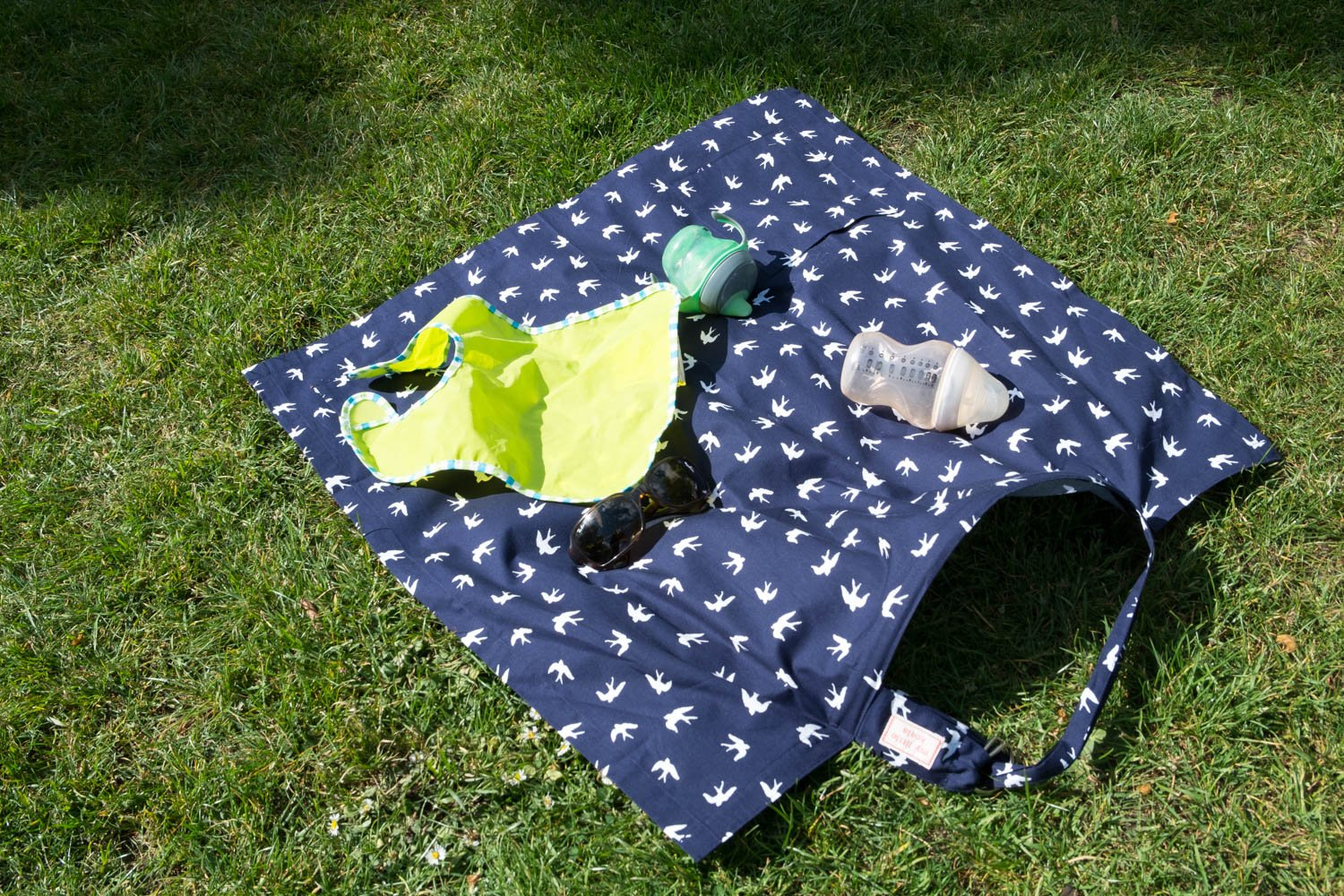 100/% Cotton Two Side Pockets Adjustable Neck Strap and Boning Nursing Apron Scarf Shawl MY LITTLE KOALA Made in Europe Breastfeeding Cover Up