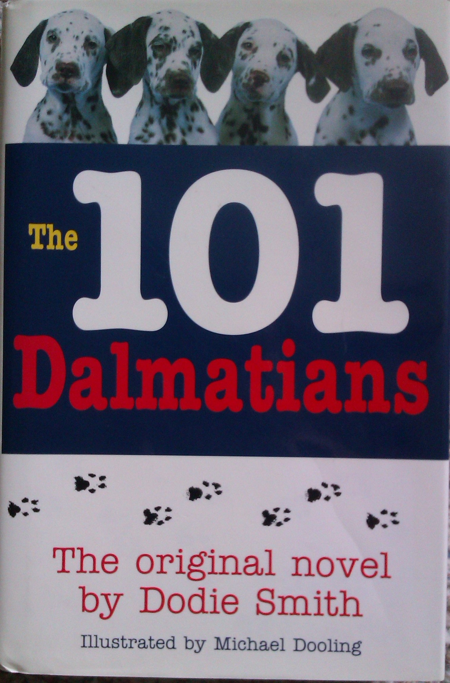 The 101 Dalmatians Dodie Smith 9780760704066 Amazoncom Books