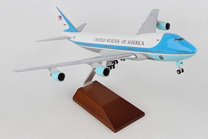 Amazon Com Daron Skymarks Air Force One Vc25 With Gear And Wooden