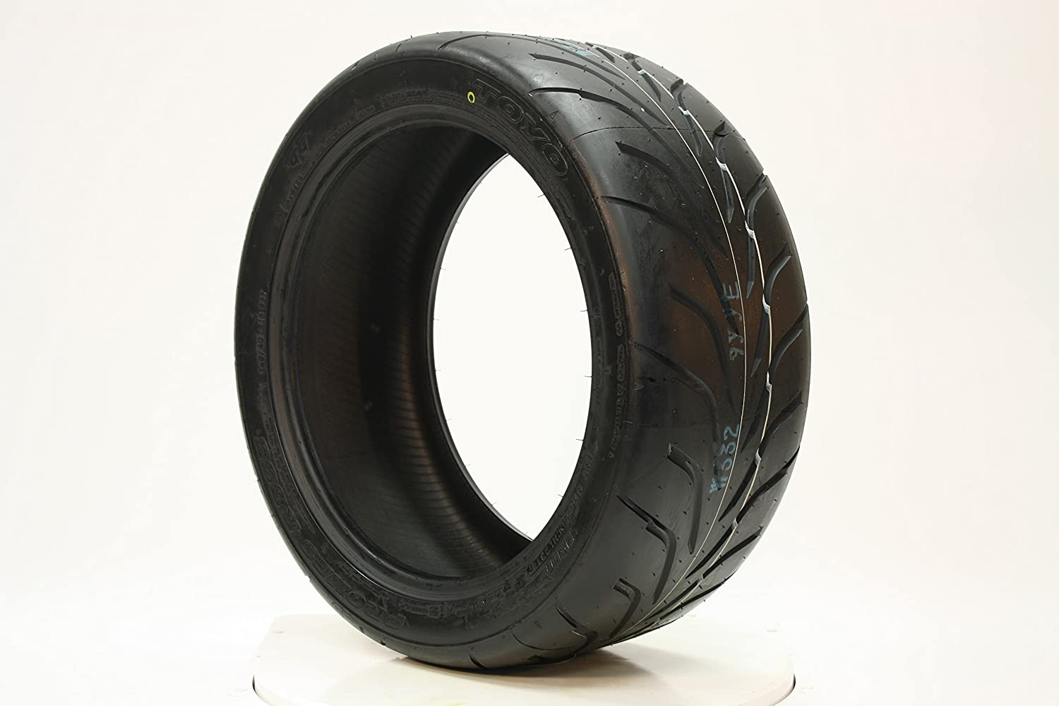 Toyo Proxes R888 >> Amazon Com Toyo Proxes R888 Racing Radial Tire 205 60r13
