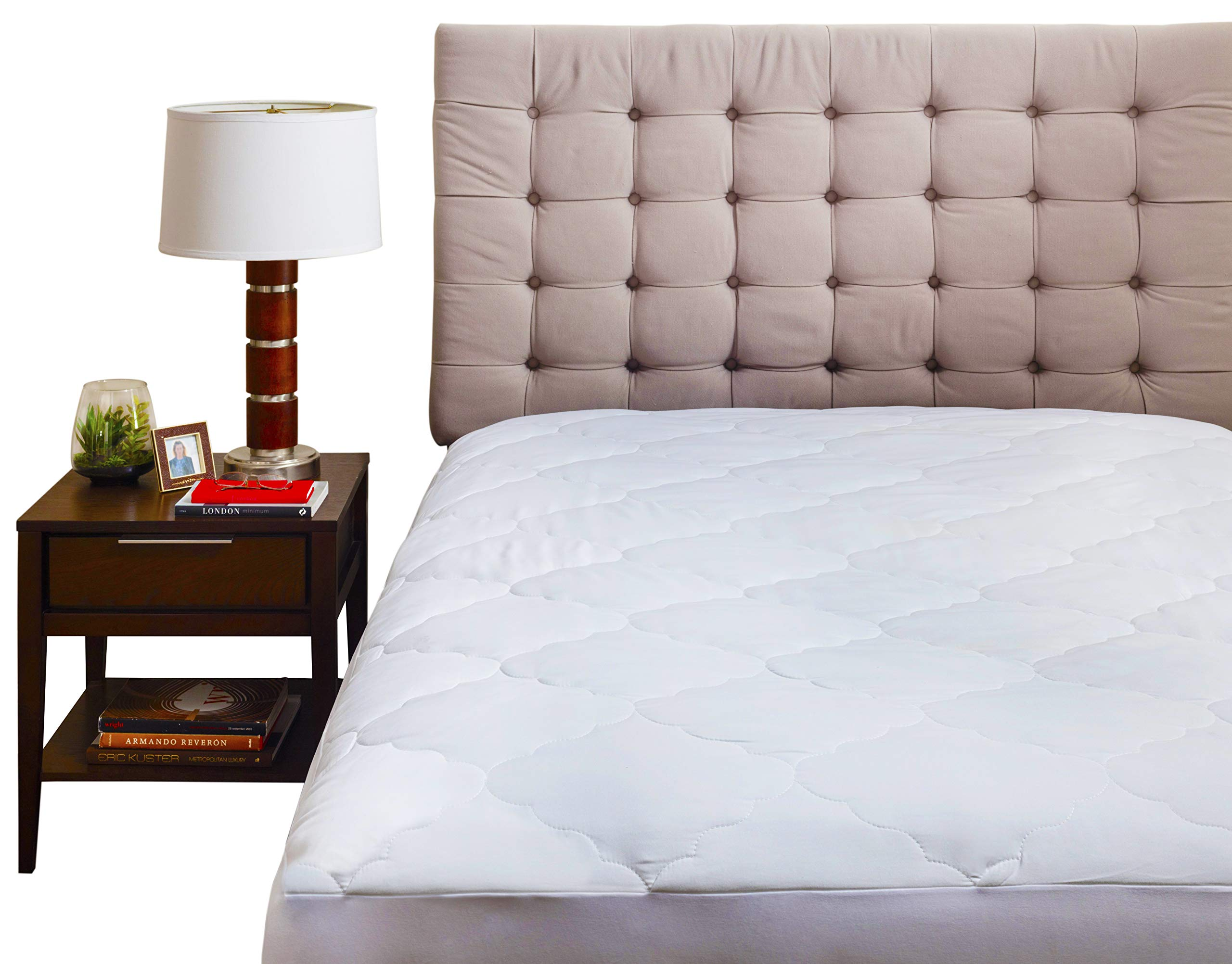 Micropuff Down Alternative Mattress Pad - White Quilted Fitted Mattress Topper (Twin Size - 39''x75'') Microfiber Mattress Cover Stretches up to 15''