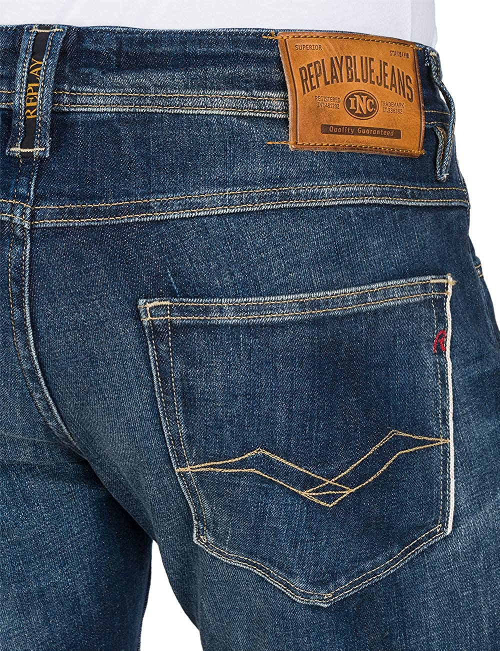 3cb87b68 Replay Men's Selvedge Ronas Slim Fit Jeans Blue in Size 33W 32L:  Amazon.co.uk: Clothing