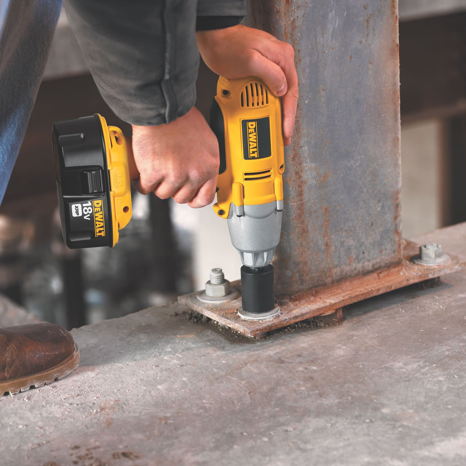 DEWALT DW059B 1 2-Inch 18-Volt Cordless Impact Wrench Tool Only