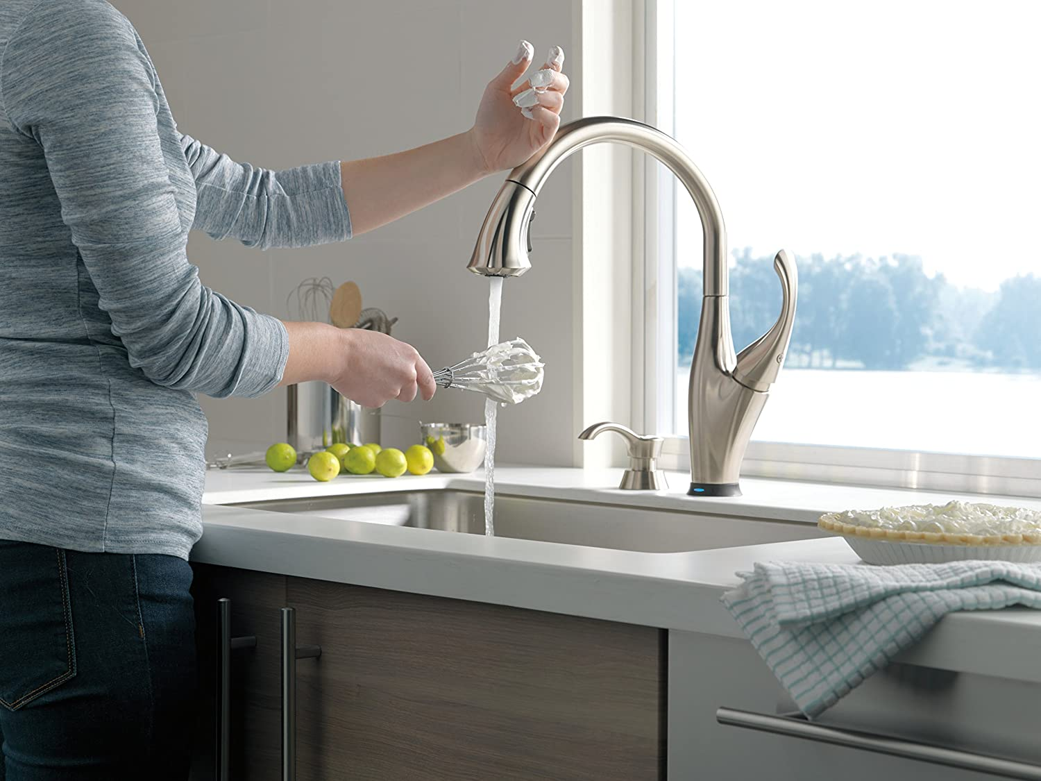Delta 9192t Sssd Dst Addison Single Handle Pull Down Touch Kitchen Diagram As Well Double Sink Drain Plumbing On Faucet With Touch2o Technology Magnetic Docking Spray Head And Soap Dispenser