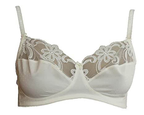 e853eb0c6a Lovely Non Wired Ivory Full Cup Lacey Bra. 36C  Amazon.co.uk  Clothing