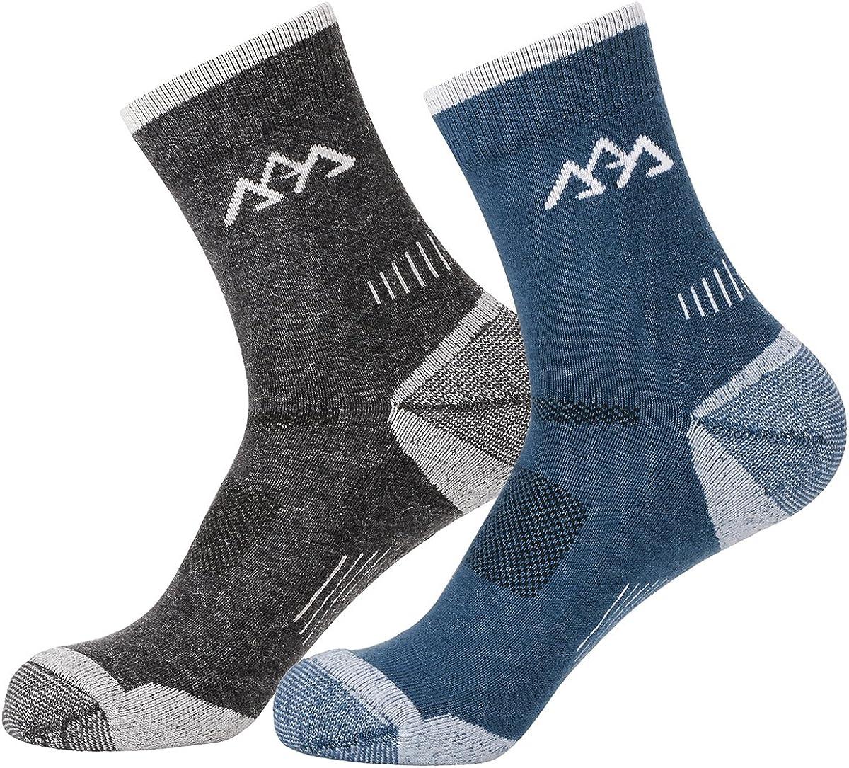 innotree Merino Wool Men's Hiking Socks, 2 Pairs Wicking Cushion Crew Socks, Mid-thickness Trekking Athletic Running Socks for Outdoor Sports, Camping, Skiing