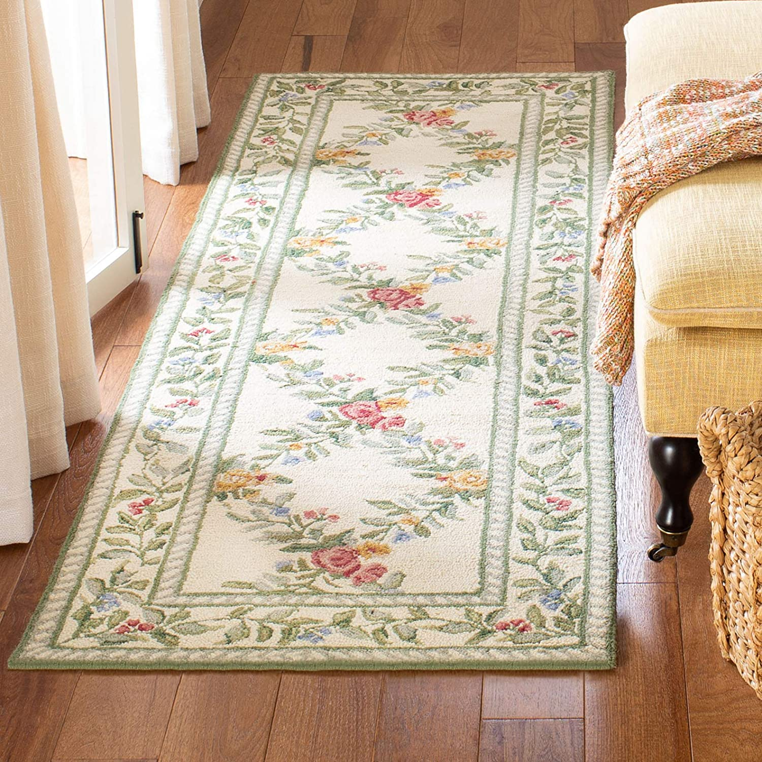 Safavieh Chelsea Collection HK60A Hand-Hooked Ivory Premium Wool Runner (2'6