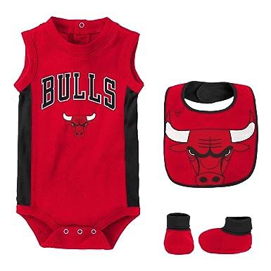 promo code 2fc71 09f4f NBA Baby Boys' Chicago Bulls Newborn Babygrow-Bib and Bootie ...