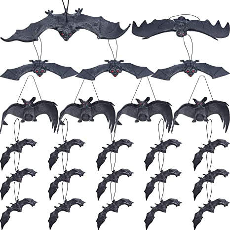 Jovitec 24 Pieces Hanging Bats Halloween Bat Decoration Rubber Bat Realistic Spooky Bats for Halloween Party Favors and Decoration, 5 Sizes
