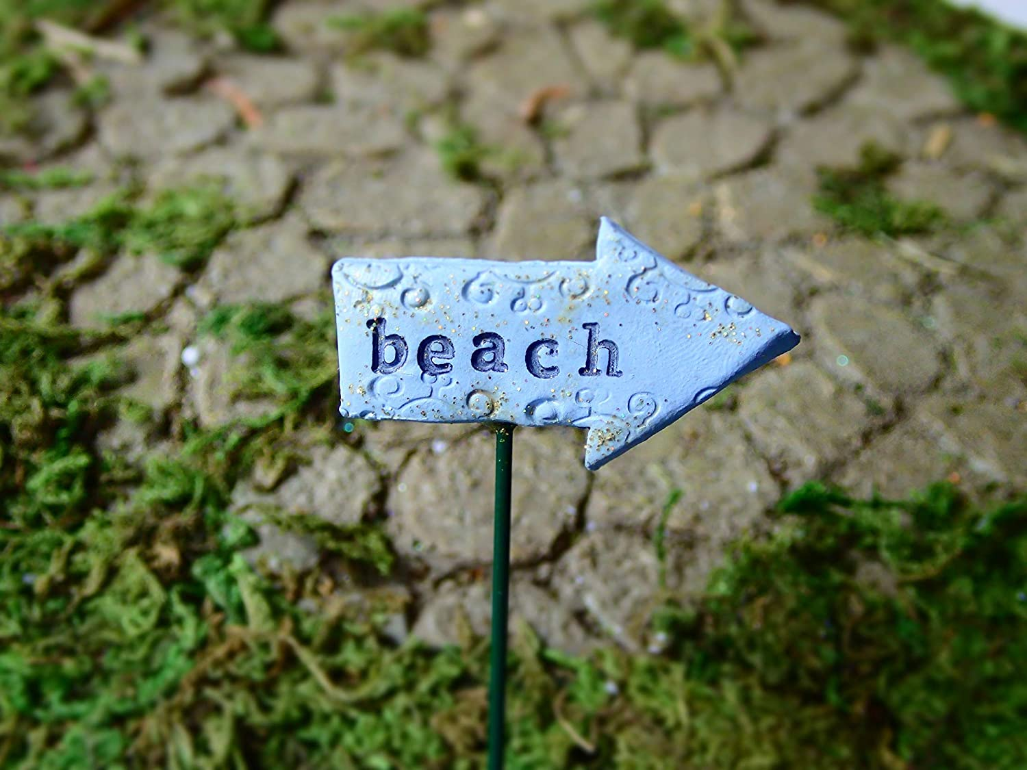 Fairy Garden Beach Sign, Miniature Lake & Ocean Decorations, Mini Accessory for Terrarium or Dollhouse