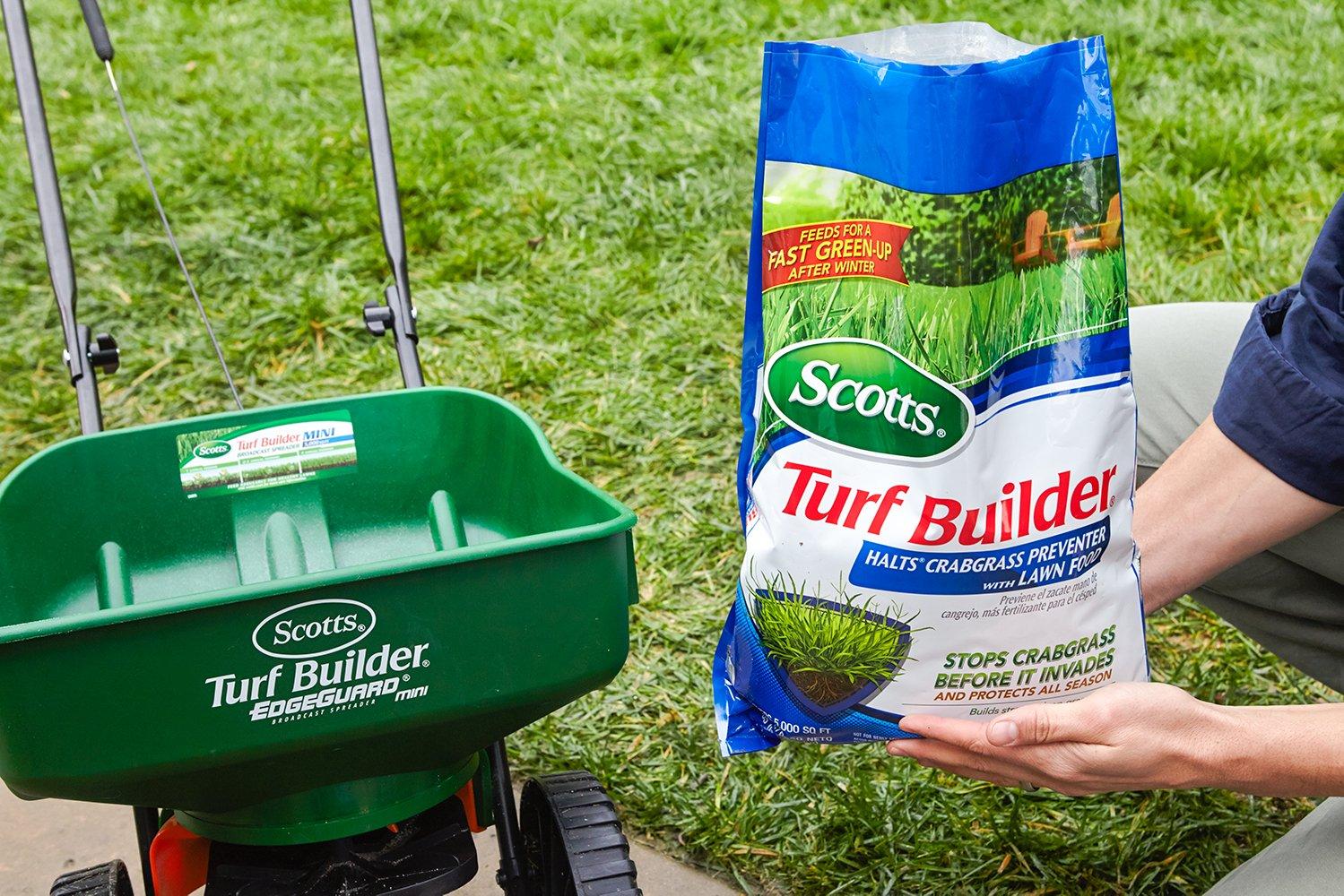 Amazon.com : Scotts Halts Crabgrass Preventer + Wizz Hand-Held Spreader : Garden & Outdoor