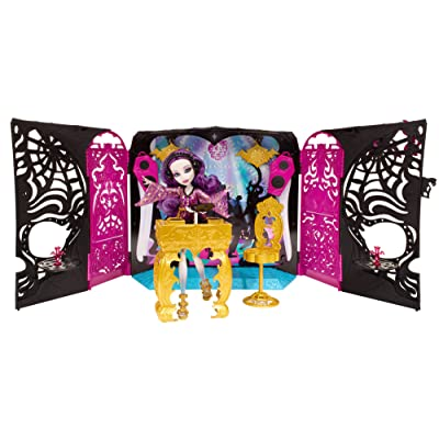 Monster High 13 Wishes Party Lounge & Spectra Vondergeist Doll Playset: Toys & Games