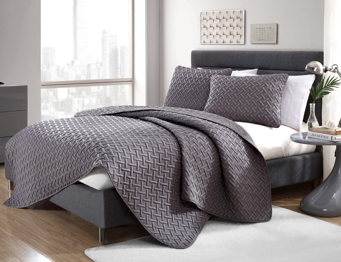 VCNY Home Nina Bedding Collection Luxury Premium Ultra Soft Quilt Coverlet, Comfortable 3 Piece Set, Modern Geometric Design For Home Hotel Decor, King, Grey