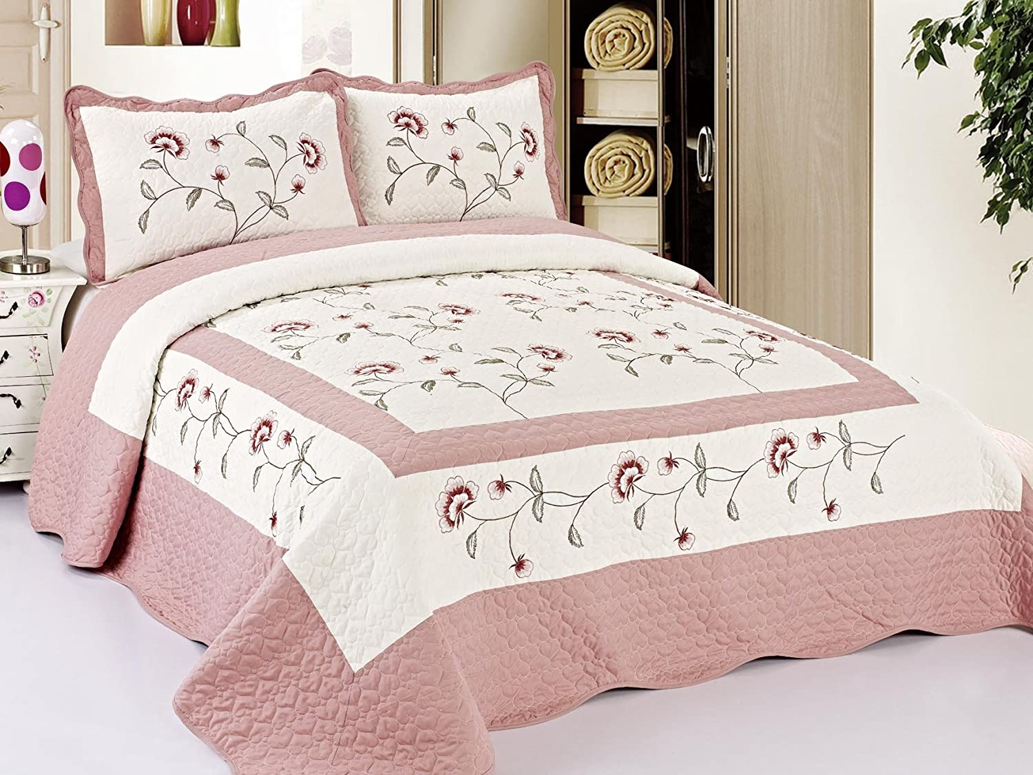 Luxury Discounts 3 Piece Floral Embroidered Quilt Bedspread