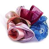 Broche fleur en tissu satin de soie, dentelle, tulle, ruban organza.