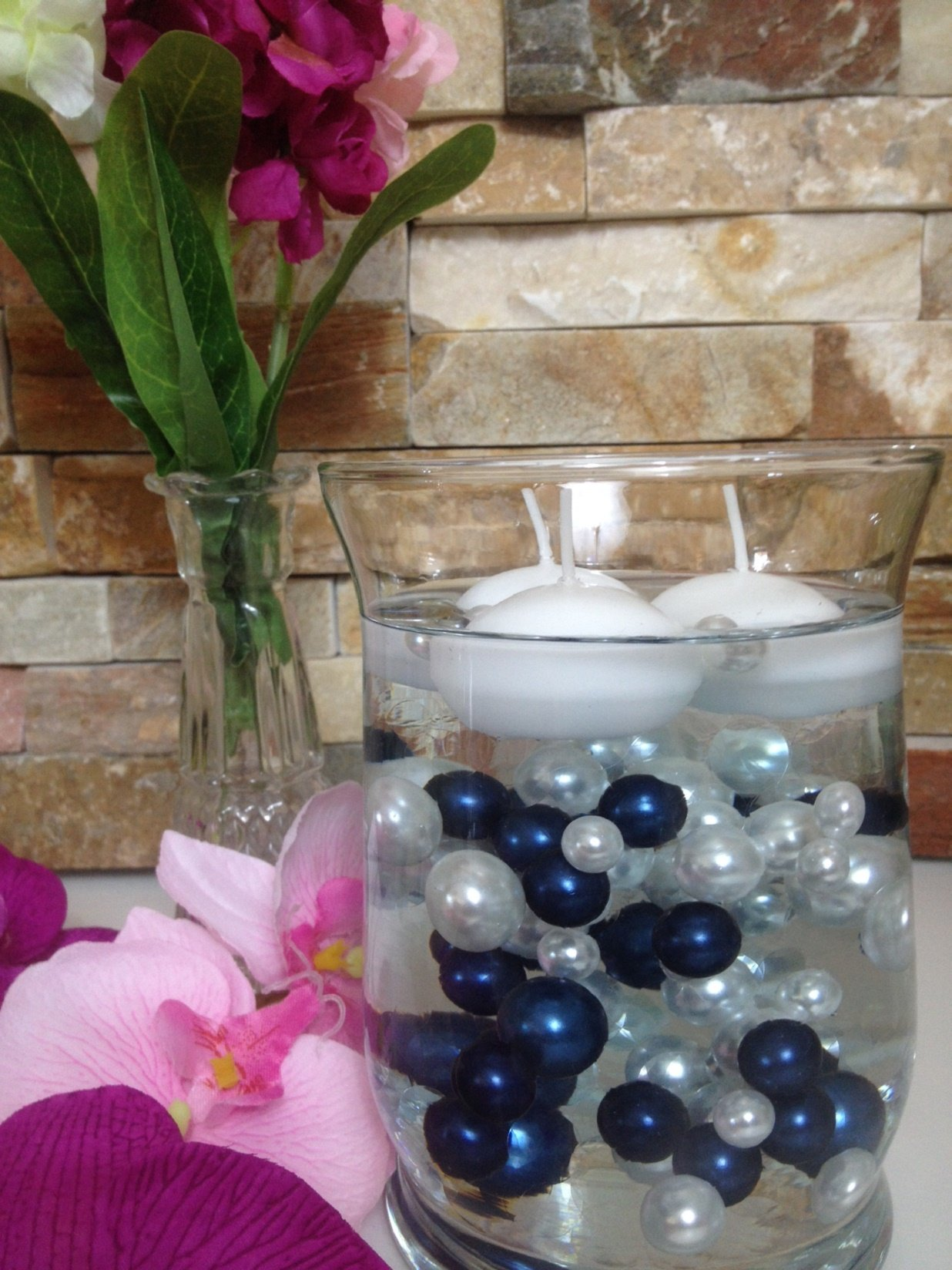 Vase Filler Pearls For Floating Pearl Centerpieces, 90 Navy Blue & White Pearls Mix Size No Hole Pearls, (Transparent Gel Beads Required To Create Floating Pearls Sold separately)